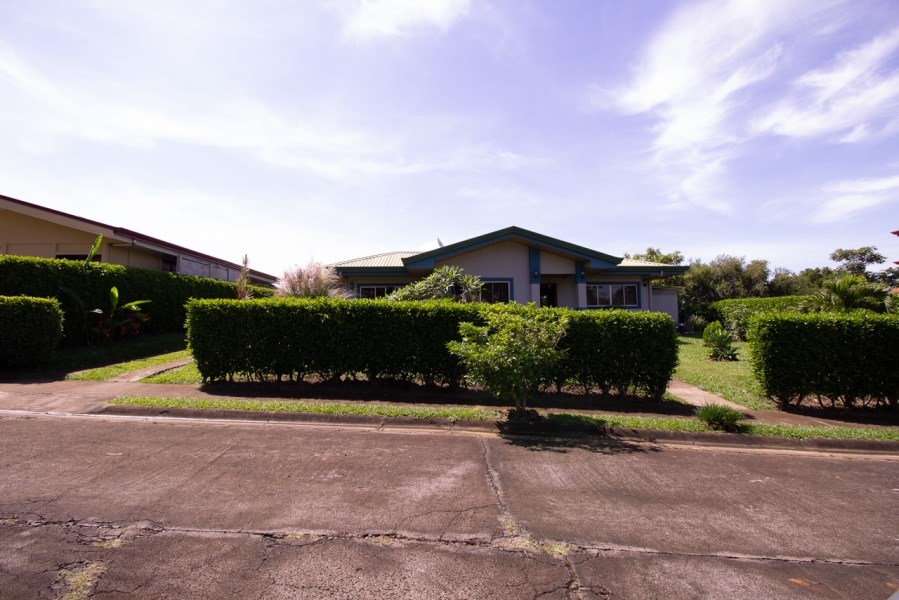 Remax real estate, Costa Rica, Grecia, Tacares House, Grecia.