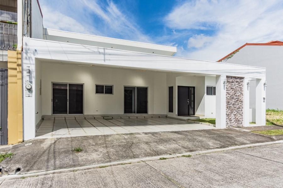 Remax real estate, Costa Rica, Alajuela, English