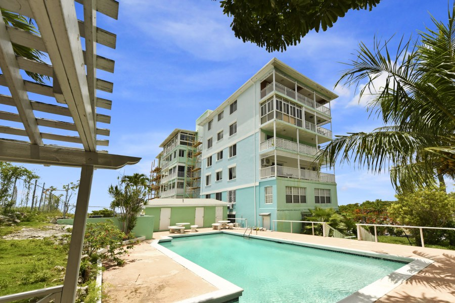 RE/MAX real estate, Bahamas, Collins Avenue, HILLCREST TOWERS