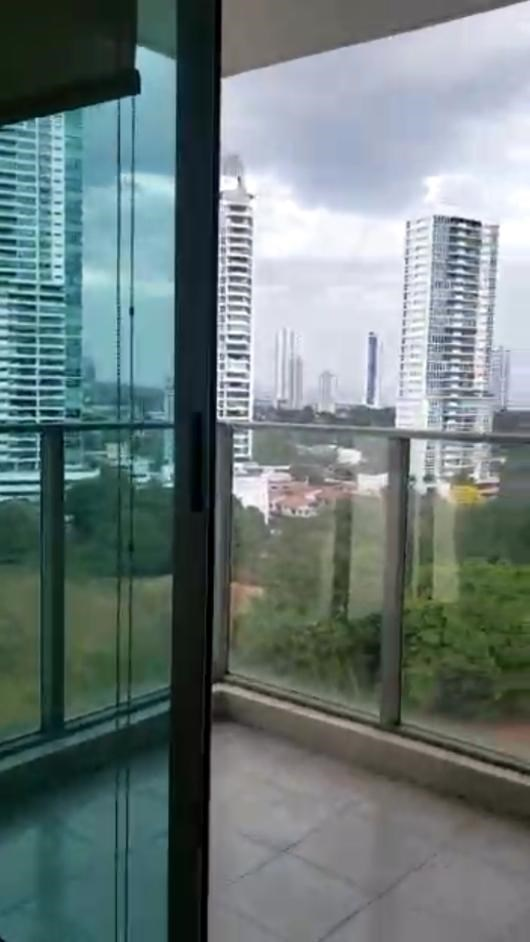 Remax real estate, Panama, Panamá - Carrasquilla, 2-00238 Brand New Apartment with Omar Park View (New White Line)