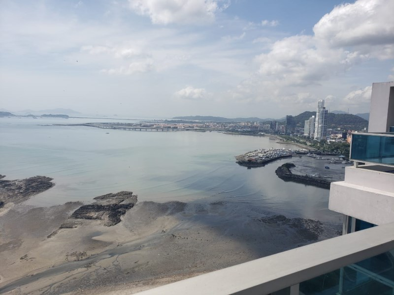 Remax real estate, Panama, Panamá - Avenida Balboa, A2V-A-0038 Ocean view apartment at PH Grand Bay