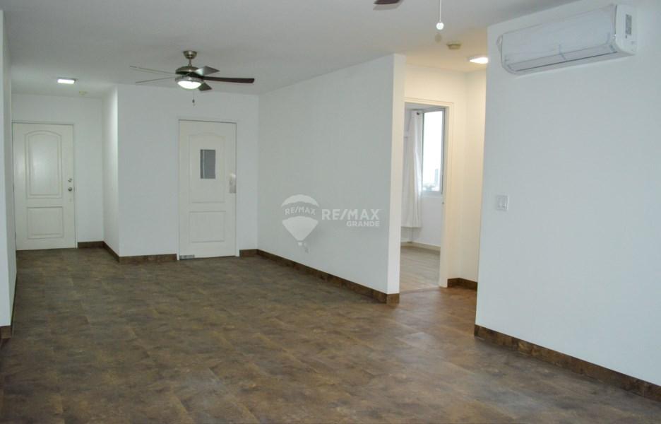 Remax real estate, Panama, Panamá - El Cangrejo, NICE APARTMENT IN EL CANGREJO - PORTO BELLO