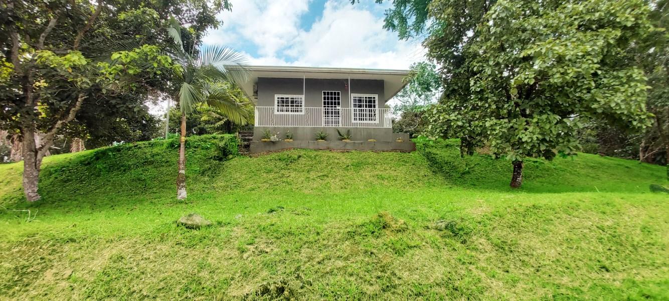 Remax real estate, Panama, Dolega - Tinajas, Nice Cottage with large land