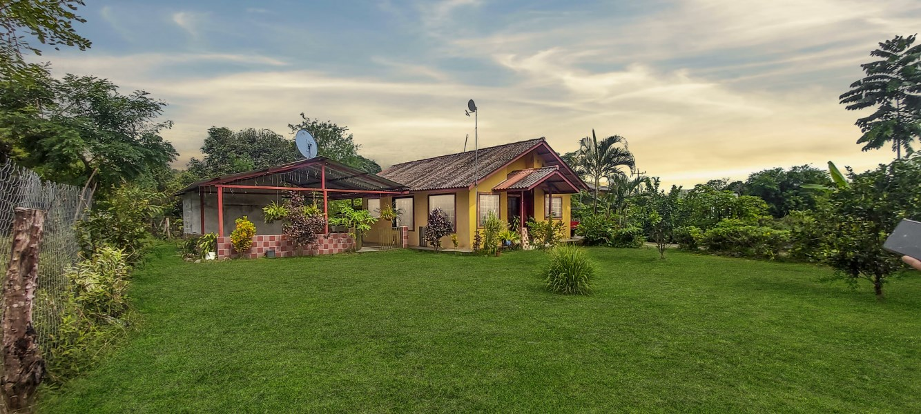 Remax real estate, Panama, Dolega, Country house with the best location and 3000 m2