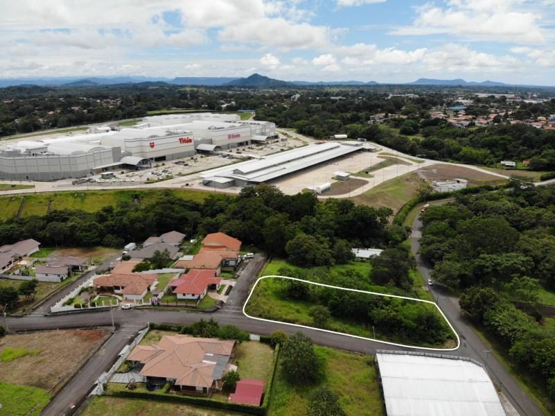 Remax real estate, Panama, Chiriqui Montaña - David, Invierte en la mejor zona de David - Lote cerca del Federal Mall