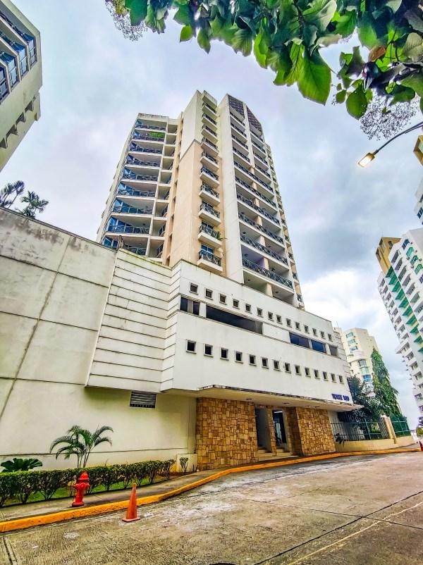 Remax real estate, Panama, Panama - Avenida Ricardo J Alfaro, Great, you found it, it has a balcony!  PH Belview