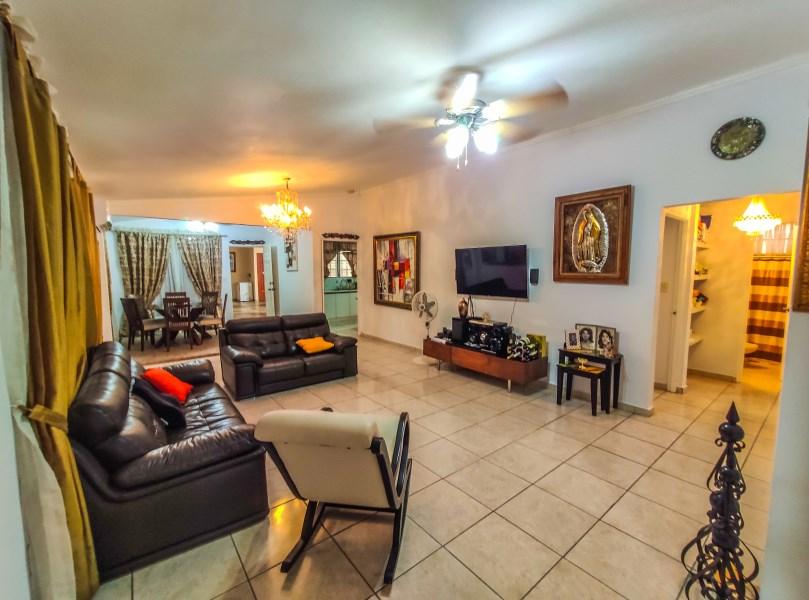 Remax real estate, Panama, Panama - Brisas del Golf , La residencia ideal para compartir momentos familiares