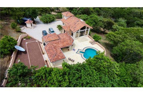Remax real estate, Costa Rica, Libertad, Custom Home in Golf Community
