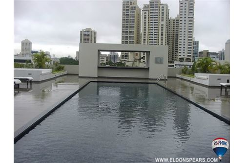 Remax real estate, Panama, Panamá - Albrook, Furnished Condo in Highly Desirable Denovo Tower