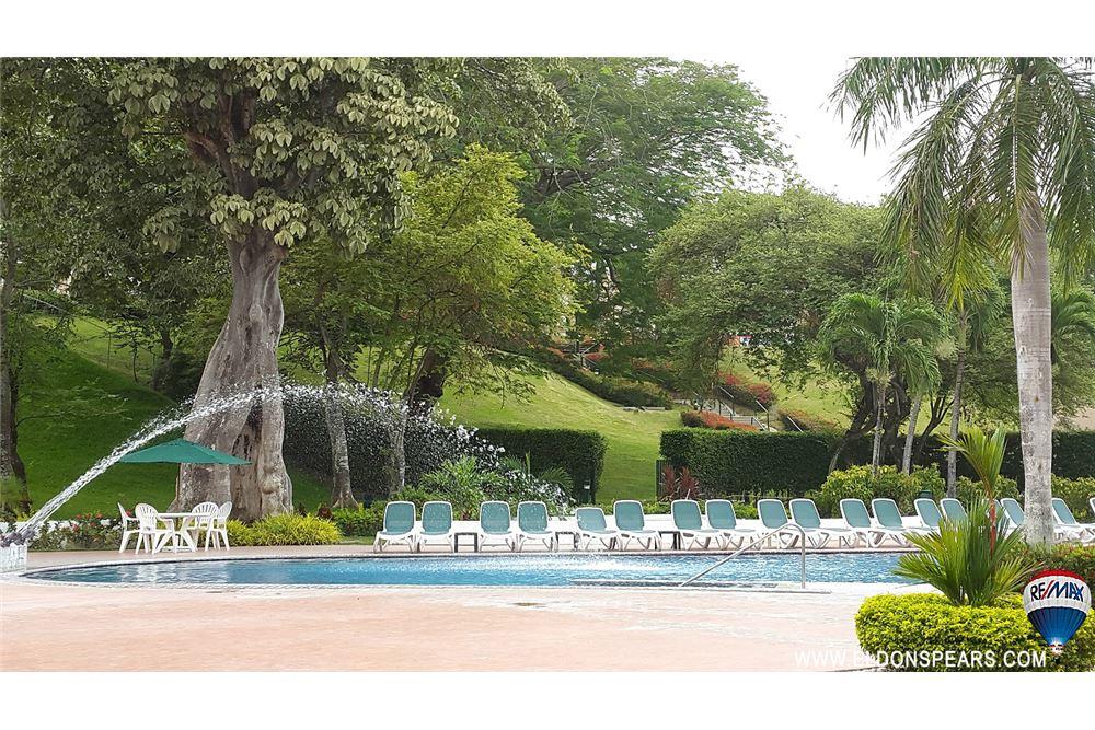 Remax real estate, Panama, Anton - El Farallon, Beautiful Villa in Playa Blanca for sale