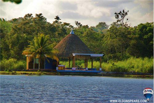 Remax real estate, Panama, La Chorrera, Lots at the lake for sale in Brisas de los Lagos