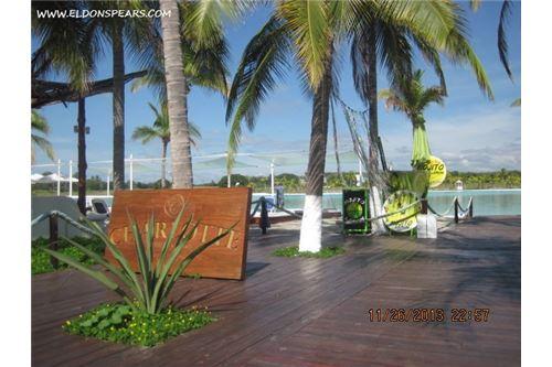 Remax real estate, Panama, Anton - Rio Hato, Playa Blanca Resort Apartment for investment/vacation