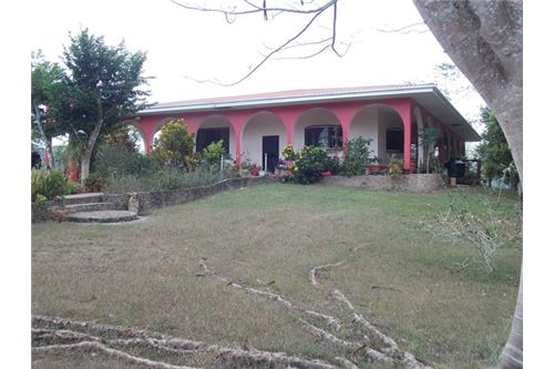 Remax real estate, Belize, Chial, # 2154 - THREE BEDROOM HOUSE + 92 ACRES + RIVER