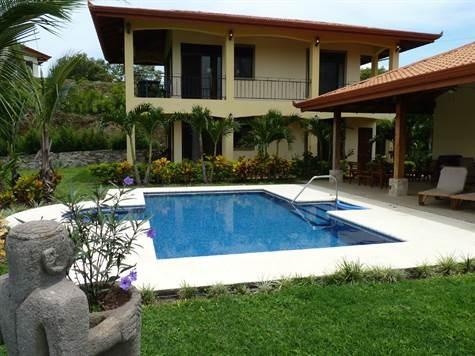 Remax real estate, Costa Rica, Atenas, Gated community home in Atenas