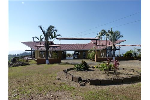 Remax real estate, Costa Rica, Atenas, 2 twin Houses at same property with amazing views