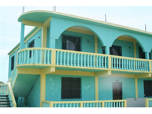 Remax real estate, Belize, Dangriga, #6932- Just Reduced- Large 2 Story Comm./ Resid. that is in Excellant Location in Dangriga- ref- GB