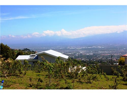 Remax real estate, Costa Rica, Escazú - San Antonio Escazú - Barrio Bebedero, Oversized lot with Panoramic Valley Views