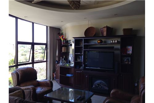 Remax real estate, Costa Rica, Escazú, Riverside Condominum OPPORTUNITY with GREAT VIEWS
