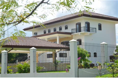 Remax real estate, Costa Rica, Alajuela - La Guácima, The real concept of luxury in Los Reyes