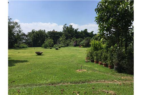 Remax real estate, Costa Rica, Santo Domingo de Heredia, Exclusive Lot in Premier Gated Community