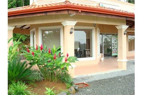 Remax real estate, Costa Rica, Siquirres, Commercial Building Limon near Moin