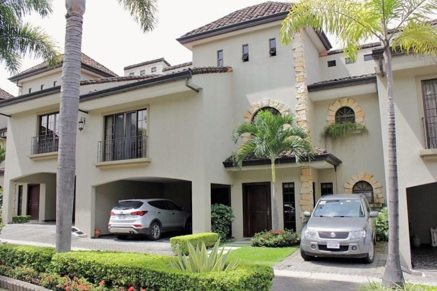 Remax real estate, Costa Rica, Escazú, Luxury Townhome Los Laureles, Escazu