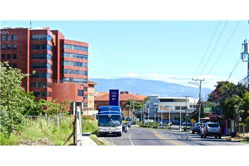 Remax real estate, Costa Rica, Escazú, Desarrollo OPORTUNIDAD Comercial cerca Multiplaza