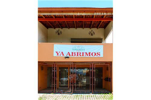 Remax real estate, Costa Rica, Santa Ana, Multi-uso de Propiedad Comercial-Santa Ana