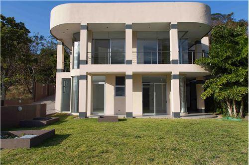Remax real estate, Costa Rica, Santa Ana - Pozos, Beautiful Modern Luxury Home in Pozos de Santa Ana