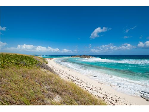 RE/MAX real estate, Turks and Caicos, Middle Caicos, Beachfront Land over looking Mudjin Harbour